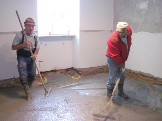 steringer renovieren sanieren bautrocknung verputzen malen renovierung und sanierung. Black Bedroom Furniture Sets. Home Design Ideas