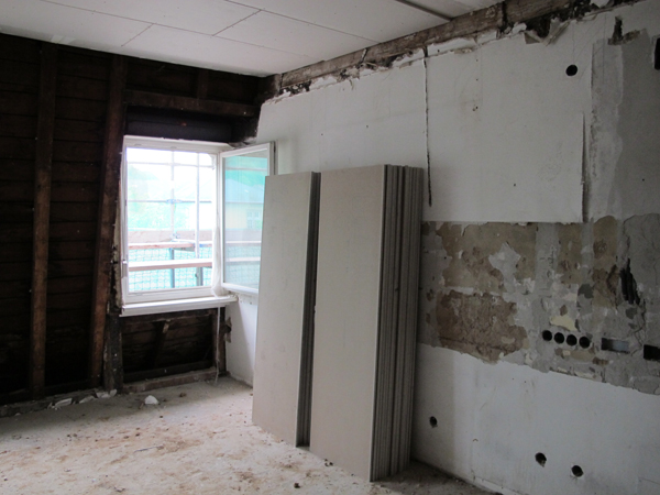 steringer renovieren sanieren bautrocknung verputzen. Black Bedroom Furniture Sets. Home Design Ideas