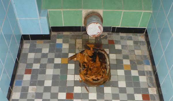 Die Dusche Ist Kaputt : Steringer – Renovieren & Sanieren, Bautrocknung, Verputzen & Malen