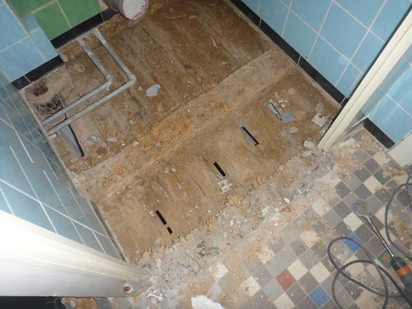 steringer renovieren sanieren bautrocknung verputzen malen gravierender wasserschaden. Black Bedroom Furniture Sets. Home Design Ideas